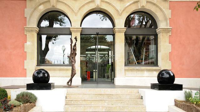 Newhotel Of Marseille Vieux Port In Marseille Luxury Hotel In - New hotel vieux port marseille