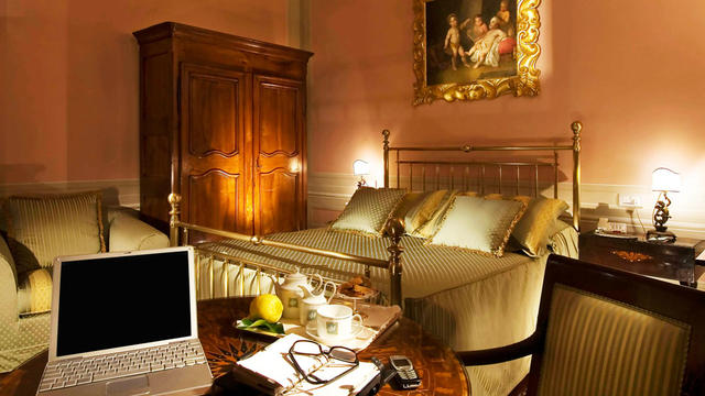 https://cdn.splendia.com/images/property/33274/villa_olmi_firenze_305126_640x360.jpg